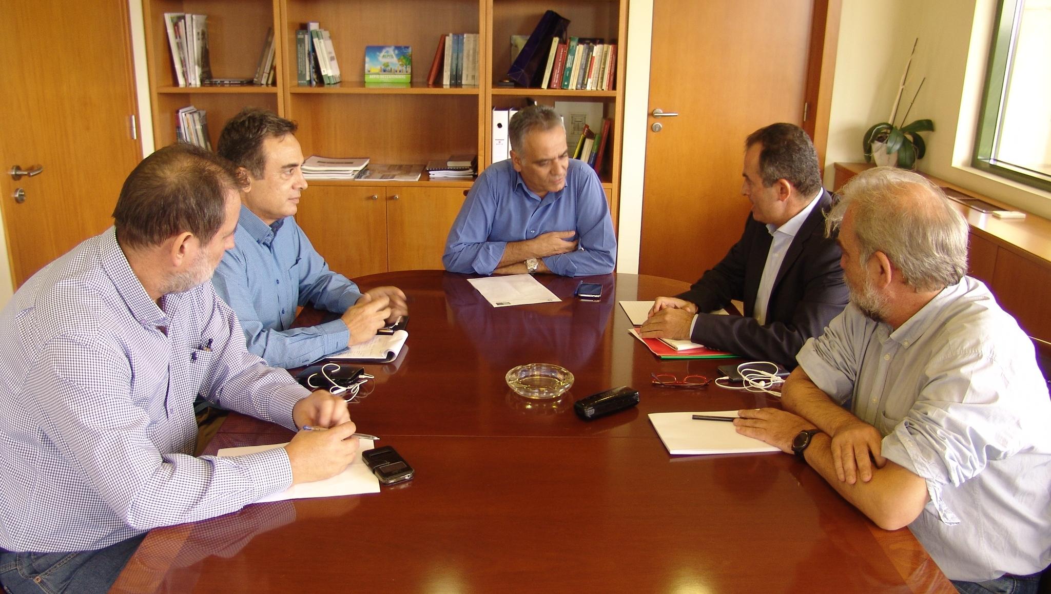 Με τον Υπουργό ΠΕΝ συναντήθηκε η ΓΕΝΟΠ/ΔΕΗ-ΚΗΕ για το θέμα του ΑΔΜΗΕ