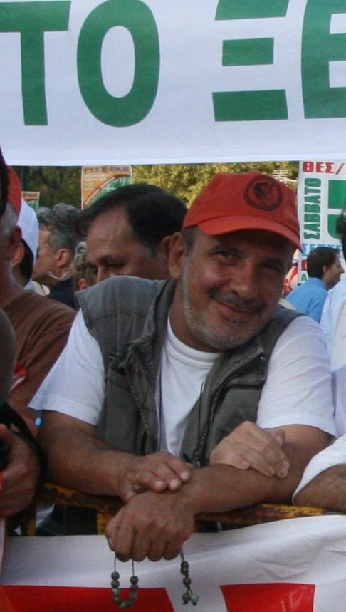 """""""Εφυγε"""" ο Μάκης Αποστολίδης"""